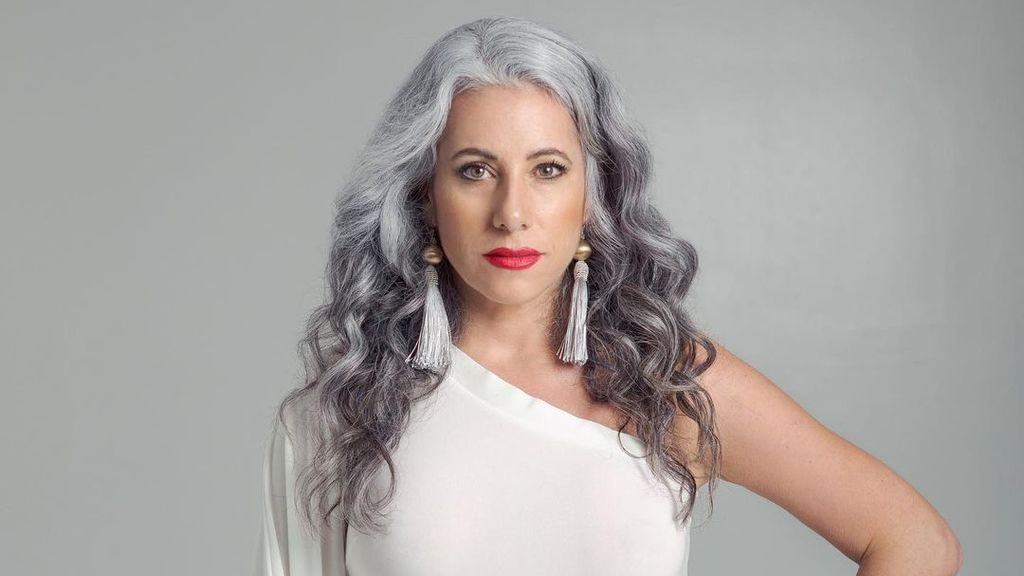 Grey Transition: cinco instagrams que te ayudan con la transición a las canas