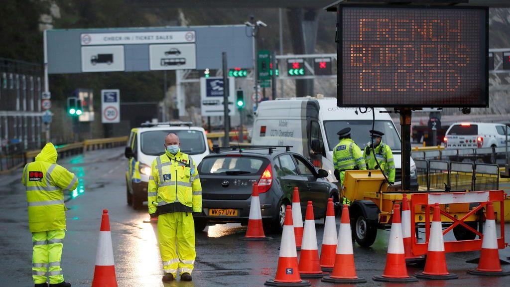Reino Unido y Francia establecerán un plan para reiniciar el transporte de mercancías