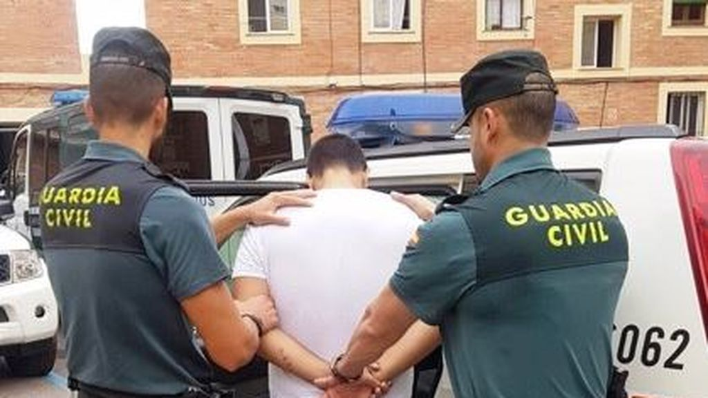 Detienen a tres jóvenes, dos de ellos menores, por  torturar a un hombre y transmitirlo por  Instagram en Benicarló