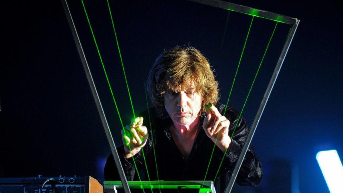 El genio de la electrónica en un Notre-Dame virtual: Jean Michel Sarre dará la bienvenida a 2021 en una sesión única