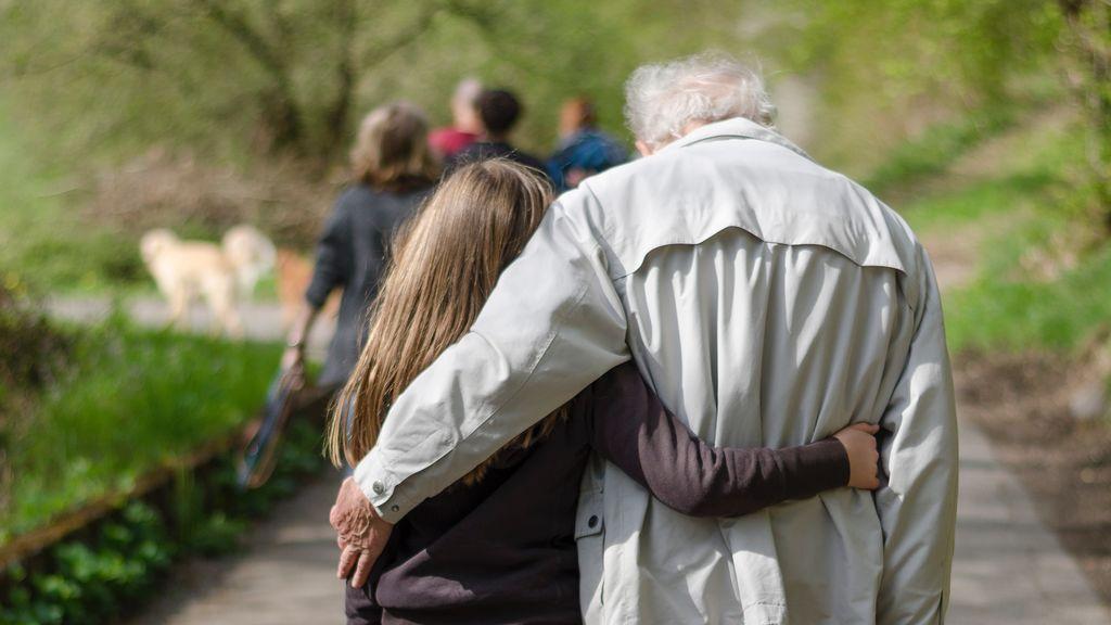 Abuelo y nieta