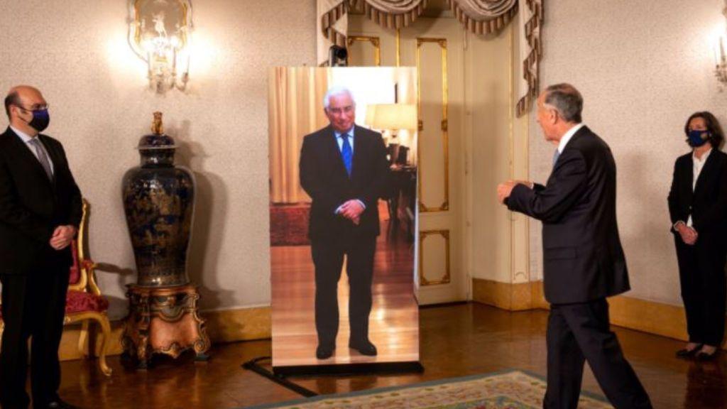 Estaba confinado pero asistió: el posado virtual del Primer Ministro de Portugal en un acto oficial