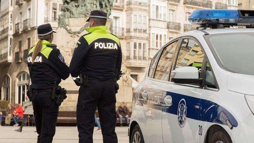 Tres detenidos por agredir a los policías que les identificaban por saltarse el toque de queda en Vitoria