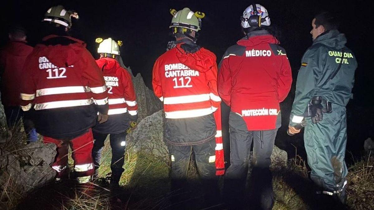 Rescatan a una familia con un niño de seis años perdida en el monte en Cantabria
