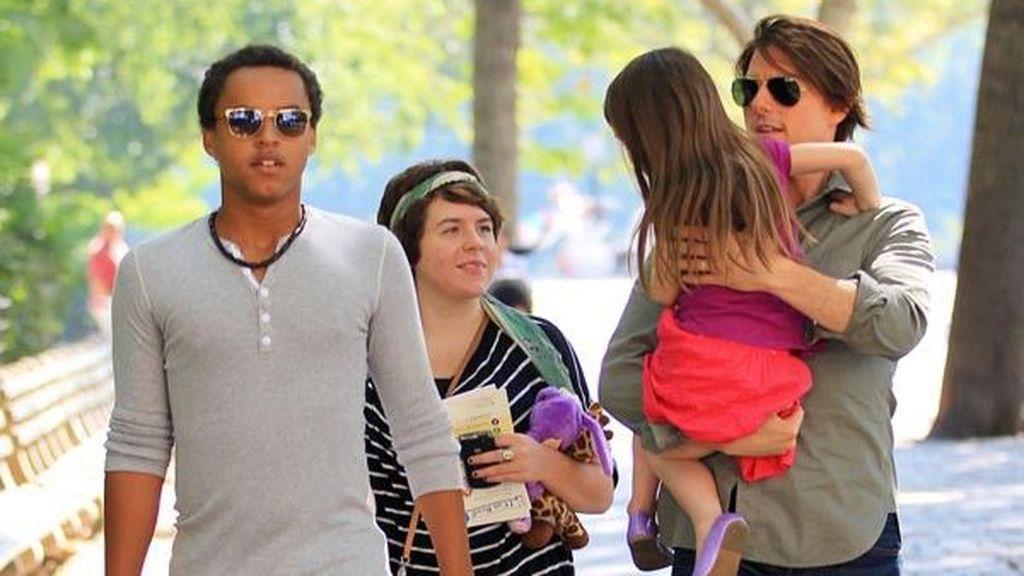 Peluquera, DJ y una mini 'it girl': así son y así han crecido Isabella, Connor y Suri, los hijos de Tom Cruise.