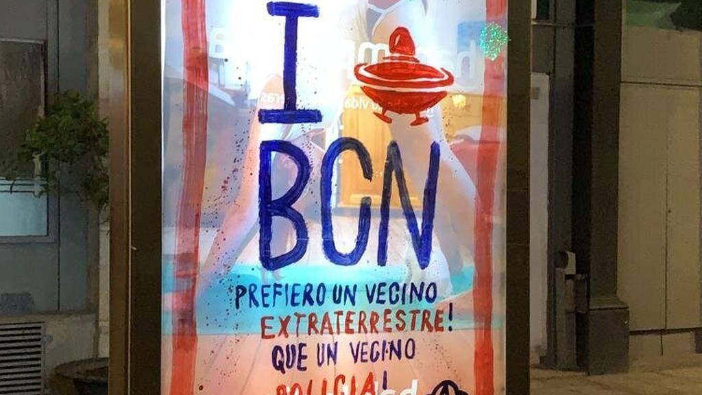 Un cartel misterioso contra la Policía aparece en el metro de Barcelona