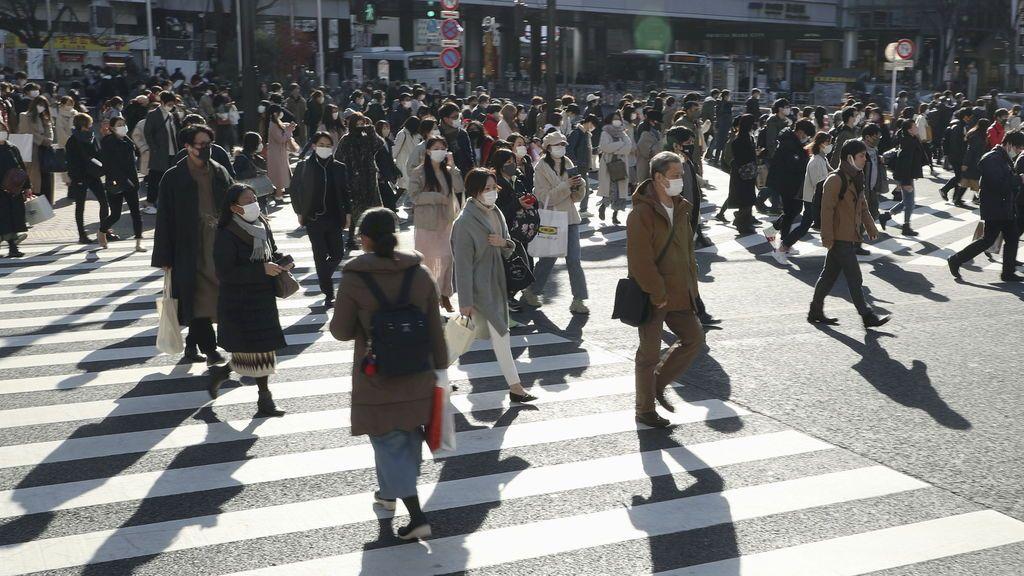 Japón prohíbe la entrada de extranjeros hasta finales de enero tras detectar casos de la nueva cepa