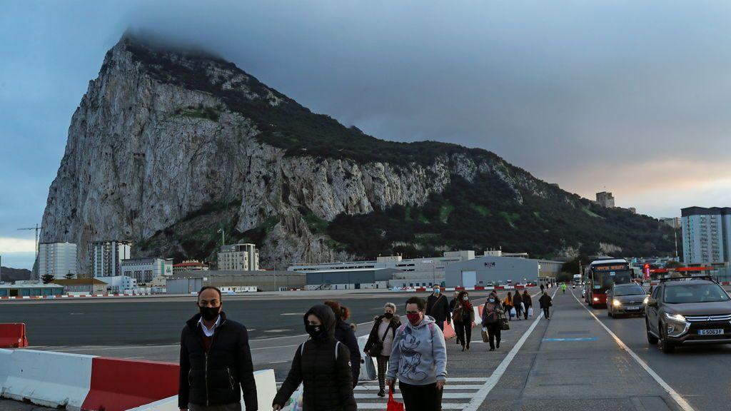 Gibraltar anuncia medidas más restrictivas para frenar el virus: toque de queda y cierre de comercios no esenciales