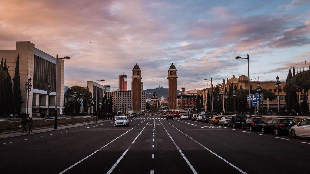 La presión hospitalaria aumenta en Cataluña, que prepara nuevas restricciones y reporta un millar de casos nuevos