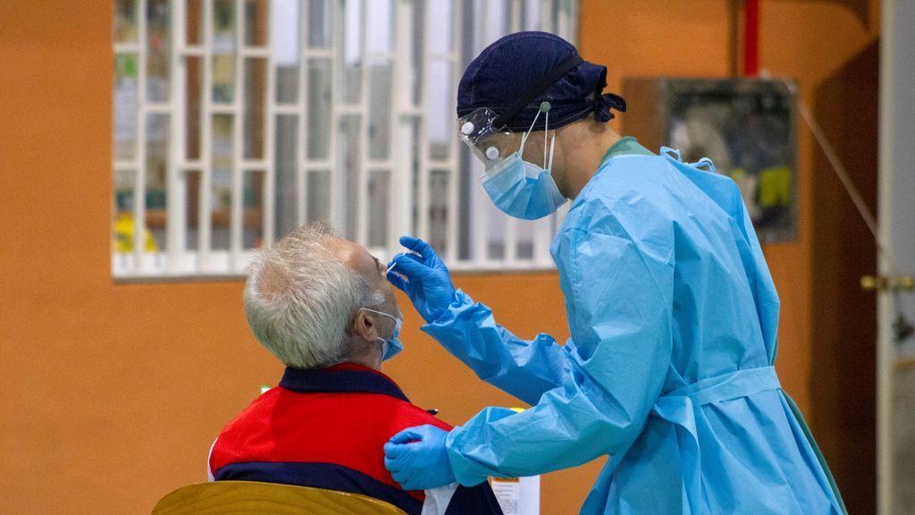 Andalucía detecta cinco casos de la variante británica del coronavirus en la comunidad