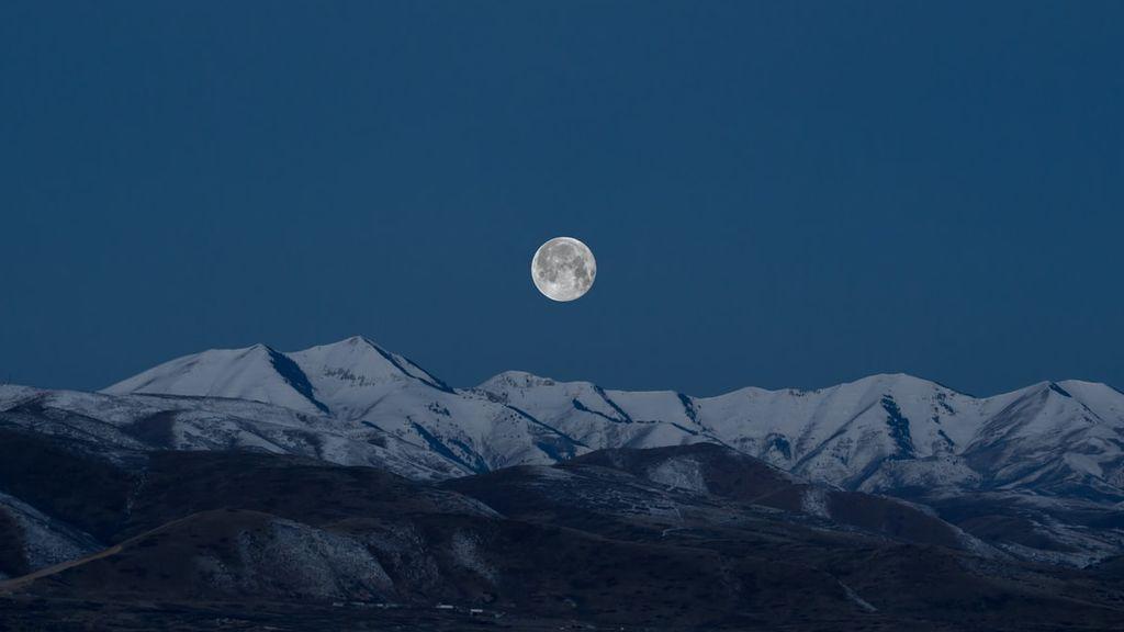 Último plenilunio de la década: cómo y cuándo ver la 'luna fría' de diciembre