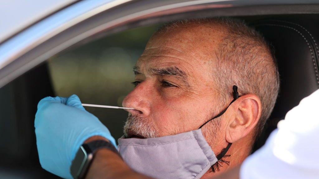 Fiebre, tos seca, y náuseas: en este orden aparecen los síntomas de covid según un estudio