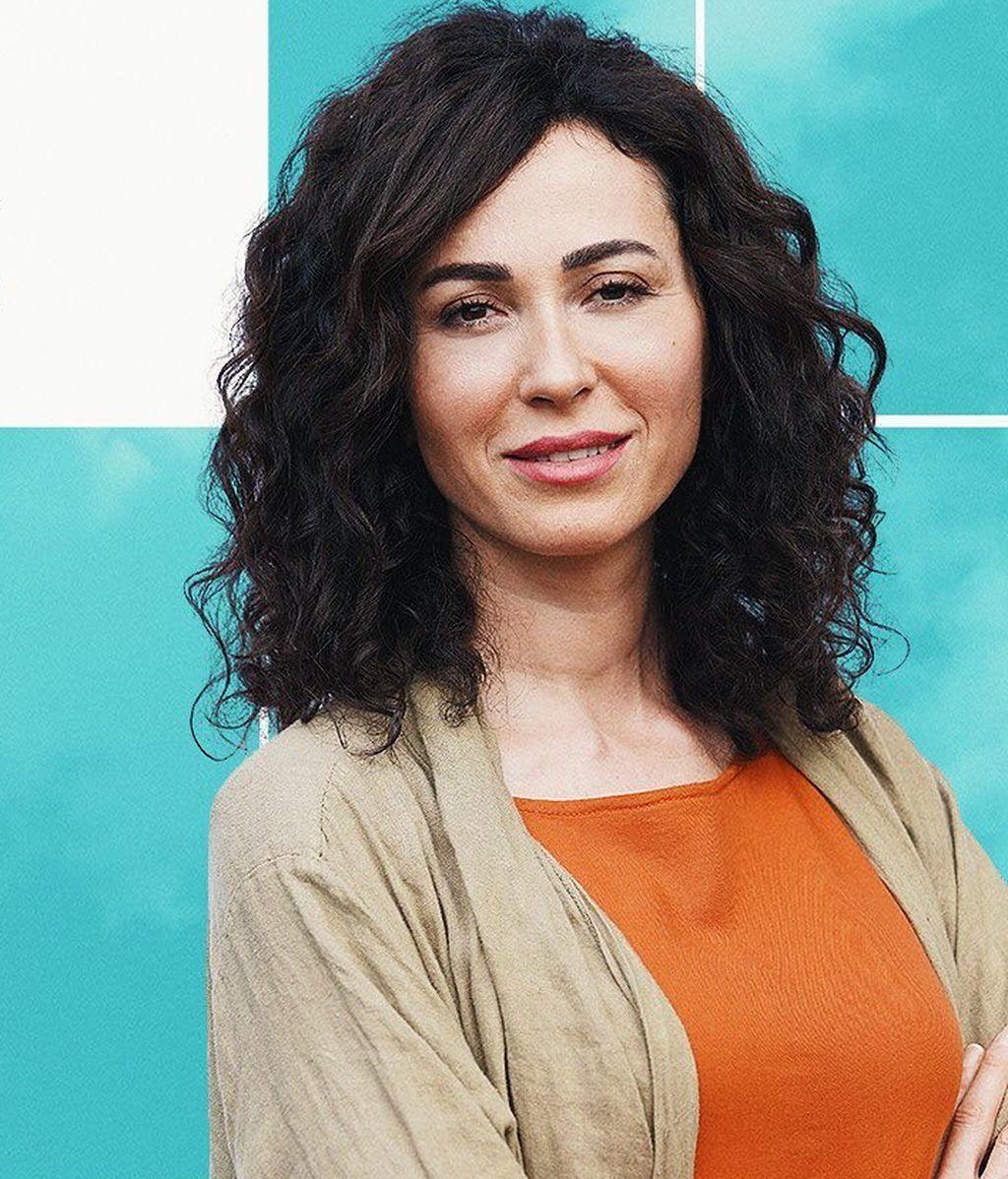 Evrim Dogan interpreta a Ayfer Yildiz
