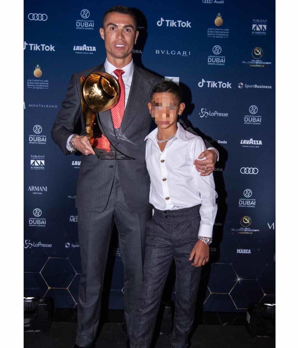 Cristiano Ronaldo estuvo apoyado en todo momento por su hijo