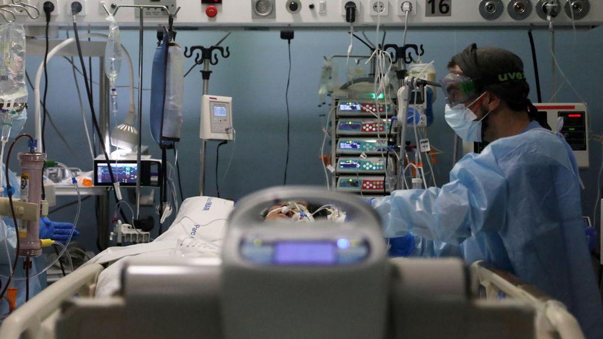Cinco sanitarios de las Urgencias de un hospital de Valencia, positivos en coronavirus: denuncian falta de ventilación