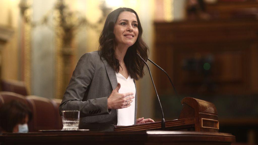 Ciudadanos arremete contra el PP por el fichaje de su senadora Lorena Roldán