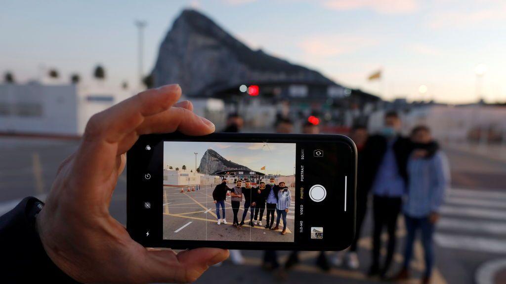 """Sánchez celebra el principio acuerdo con Londres sobre Gibraltar: """"Nos permitirá eliminar barreras"""""""