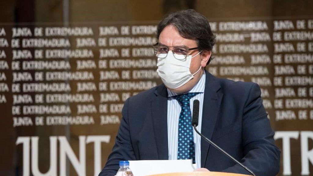 Extremadura endurece sus medidas: toque de queda a las 22.00 horas y grupos de solo cuatro personas