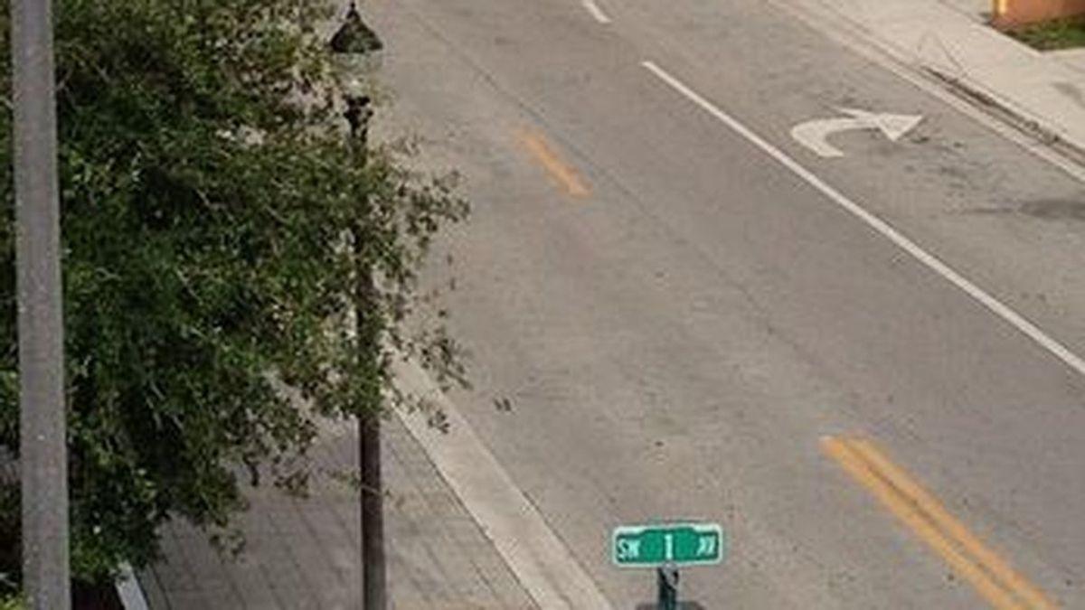 Muere arrollado por un vehículo tras discutir con su novia: se tumbó en mitad de la carretera