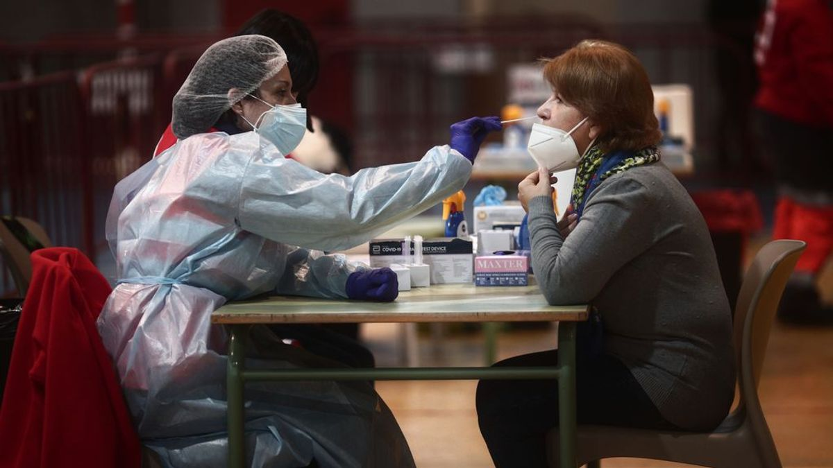 Sanidad deja en manos de las comunidades permitir a farmacias hacer antígenos