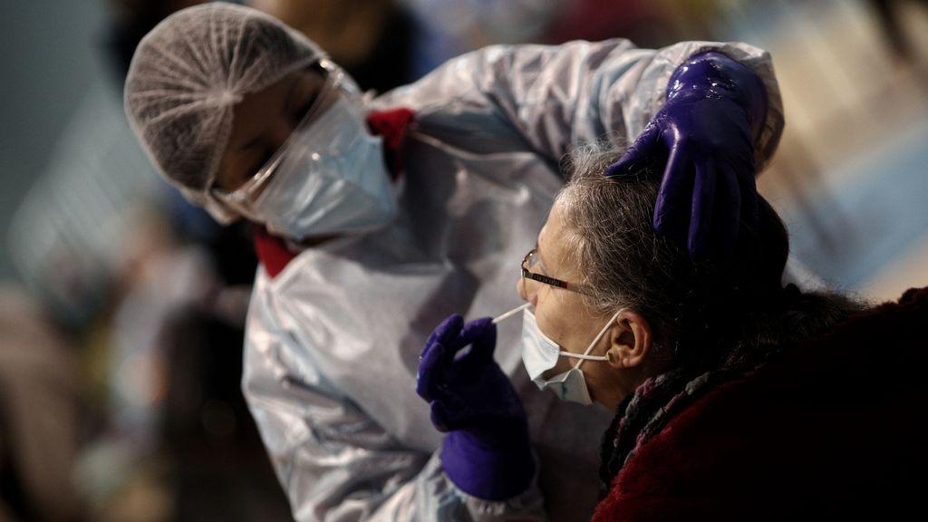 656 nuevos casos y 16 muertes en Madrid, y los hospitalizados siguen al alza