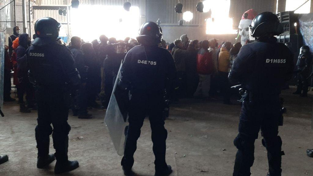 Los Mossos desalojan la fiesta 'rave' ilegal de Llinars del Vallès