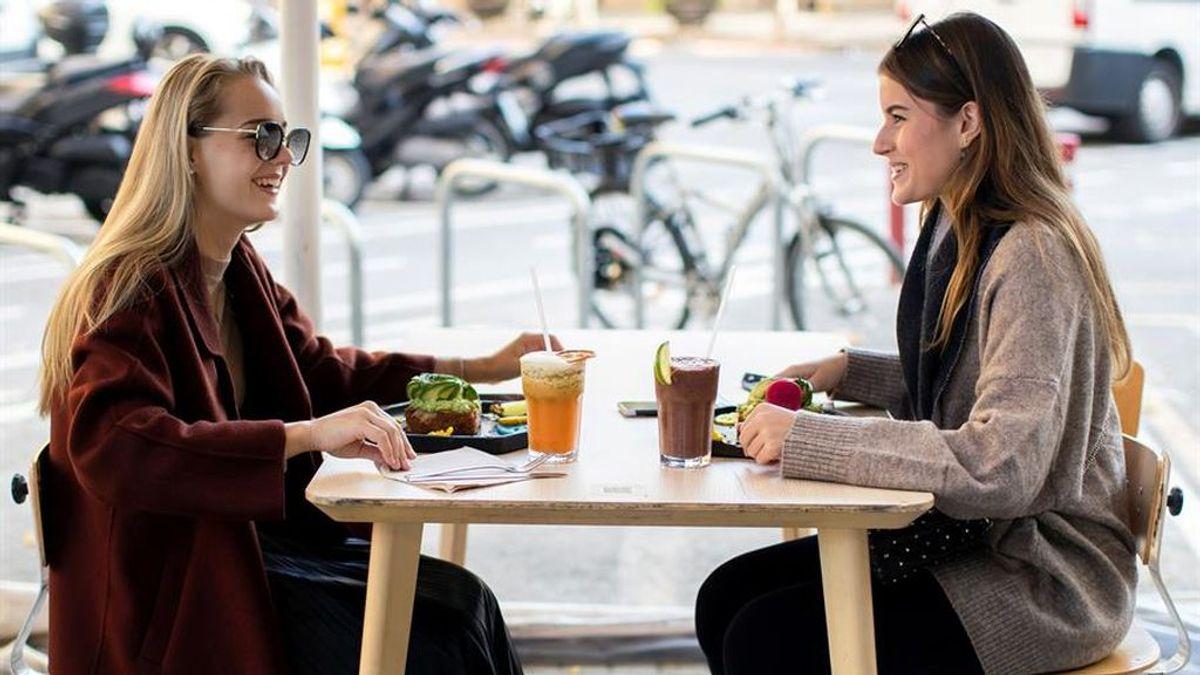 Los españoles, los más felices de Europa, el continente más pesimista del mundo, según un estudio