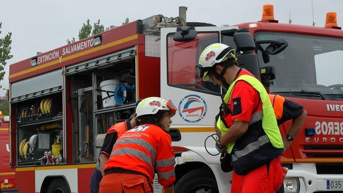 Dos fallecidos y tres heridos en una colisión frontal en una carretera de Málaga