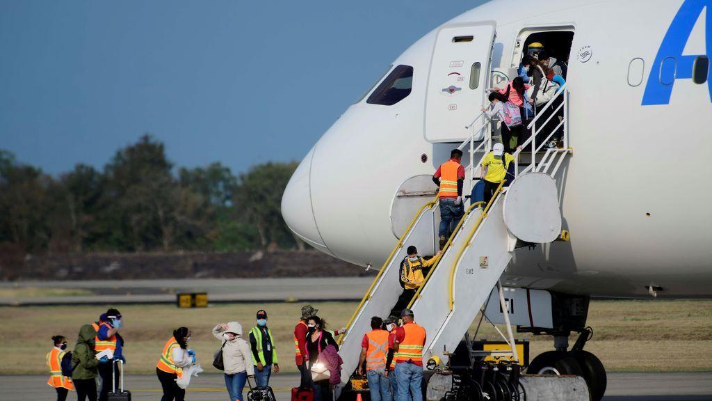 Jamaica registra varios positivos de la nueva cepa británica en un vuelo