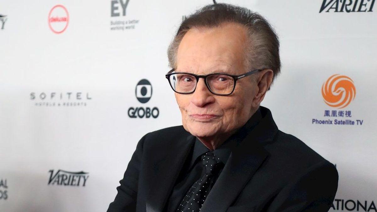 Larry King, hospitalizado por Covid-19