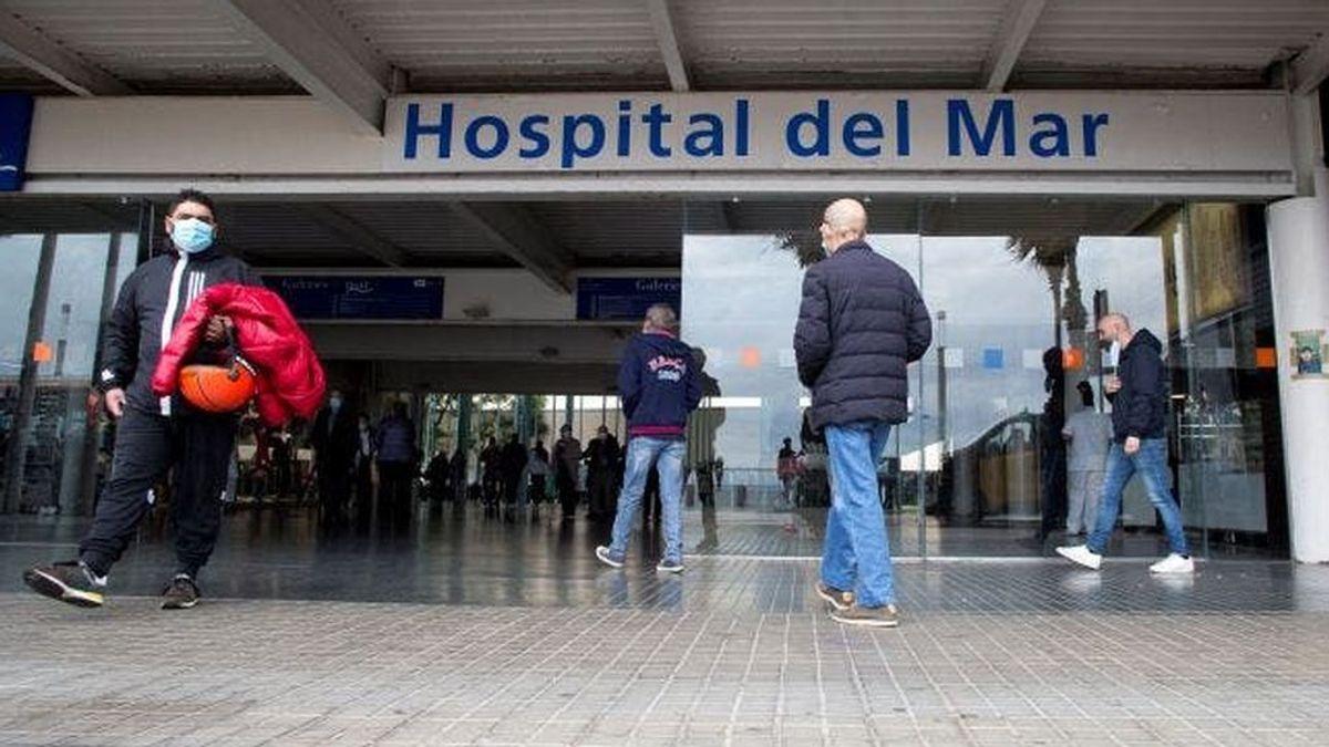 """Alerta sanitaria por la situación de los hospitales catalanes: """"Están descontrolados y habrá que priorizar"""""""