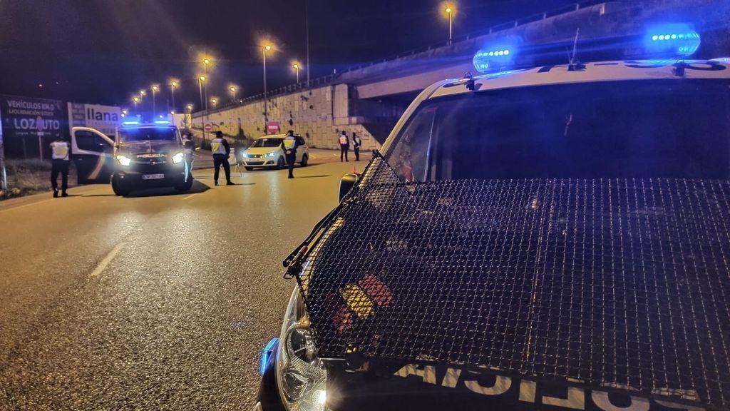 Heridos dos policías tras ser embestidos por un coche en Marbella