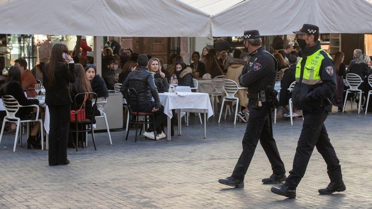 Murcia confina 9 municipios y cierra la hostelería para evitar el 'tardeo' en Reyes y su víspera