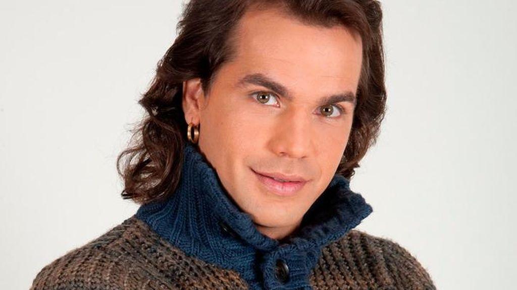 """Pepe Flores, ganador de 'GH', presume de cuerpo con un desnudo integral: """"Démosle la espalda a este maldito 2020"""""""