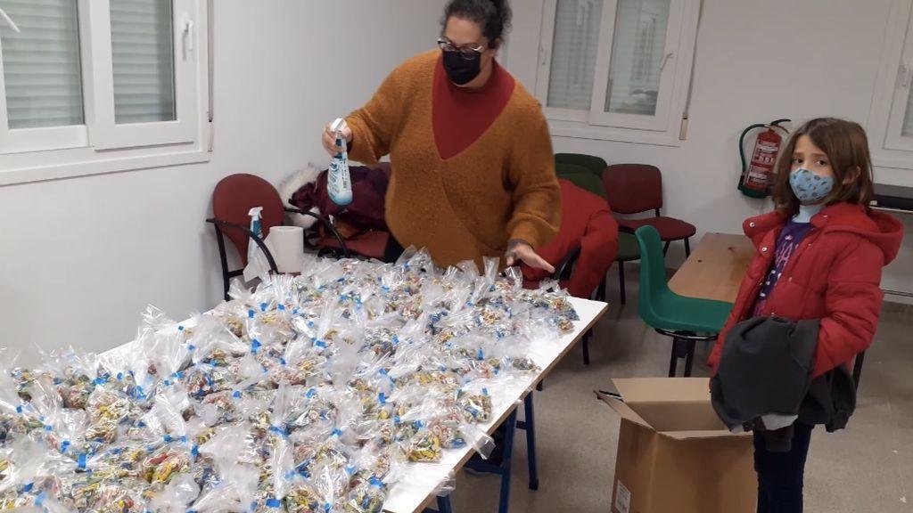 Las cabalgatas extreman la seguridad sanitaria: desinfección y cuarentena para los caramelos en un pueblo de Granada