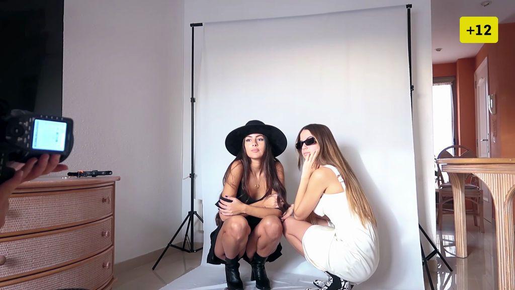 Melyssa y su hermana imitan a otras influencers y copian sus posados en una sesión (2/2)
