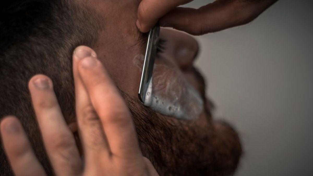 Recortar y perfilar: cómo arreglarse la barba corta de forma elegante