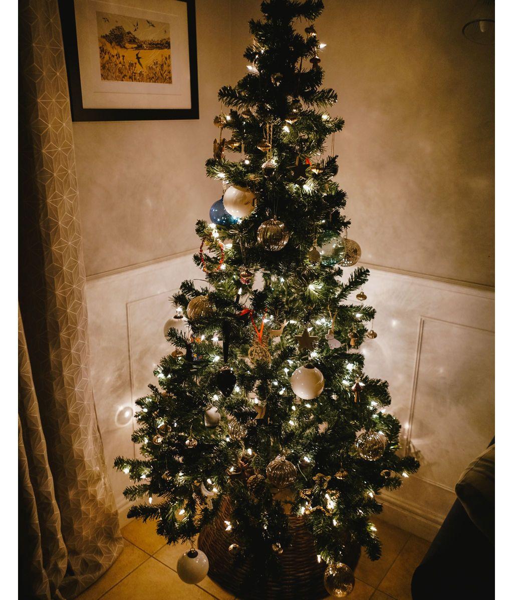 Un árbol de Navidad sin regalos