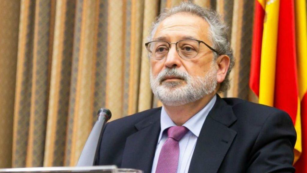 """Un exdirectivo español de la OMS advierte: """"Hay que vacunar como si fuera una operación militar y de guerra"""""""
