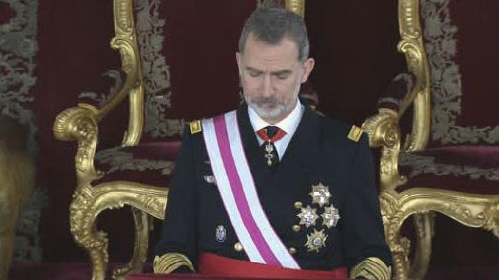 """El rey a los militares en la Pascua Militar: """"Todos estamos sujetos a la Constitución"""""""