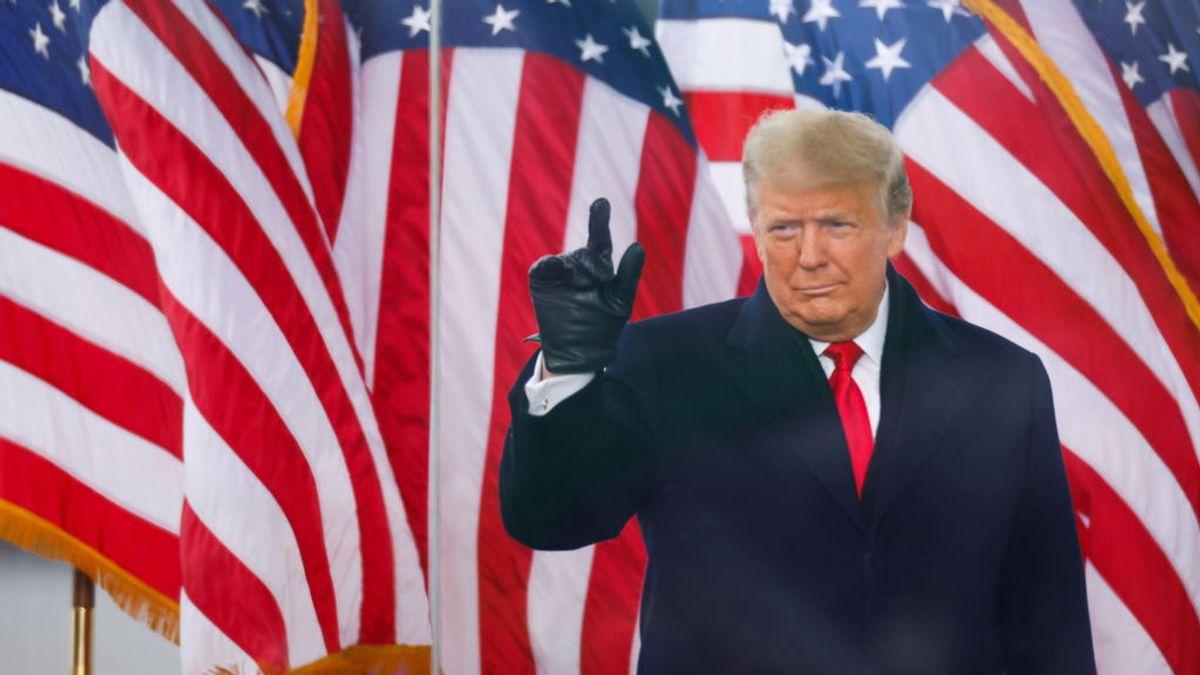 """Trump pide a los manifestantes que han asaltado el Capitolio que """"permanezcan en paz"""" y """"sin violencia"""""""