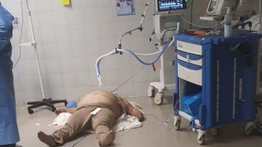 La foto de un paciente en el suelo de un hospital de México se viraliza y las autoridades explican el caso