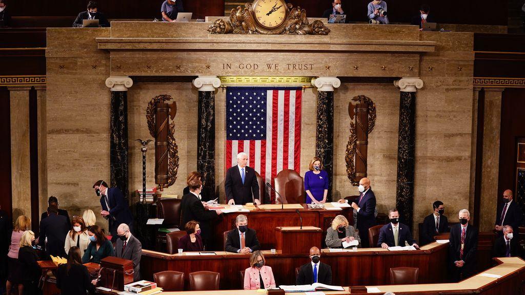 Comienzo de la sesión en el Capitolio antes de ser asaltado