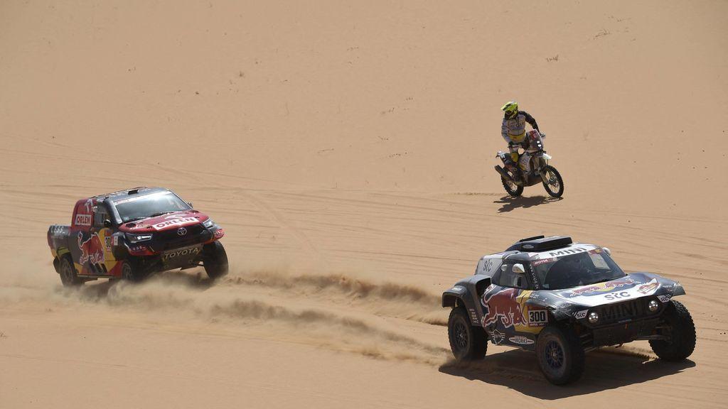 Carlos Sainz y Joan Barreda se hunden en una quinta etapa del Dakar aciaga para las aspiraciones españolas