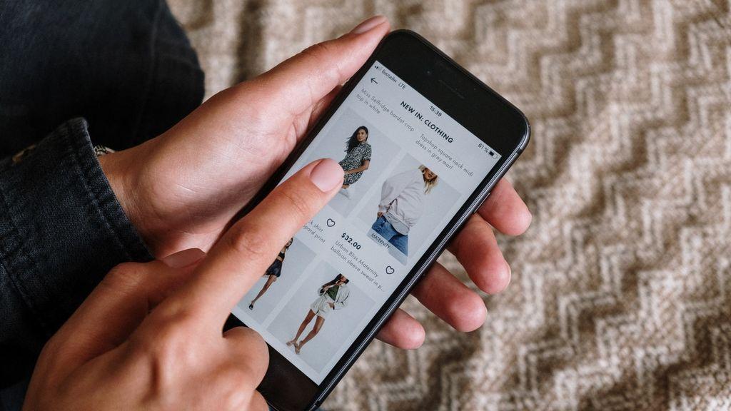 Consejos para comprar ropa online en rebajas y acertar con tu talla