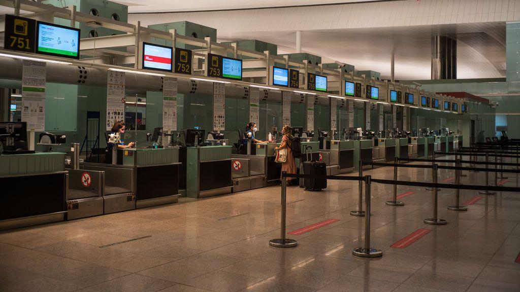 Detectadas al menos 3 agencias de viajes en Barcelona que vendían  billetes con certificados de PCR falsos