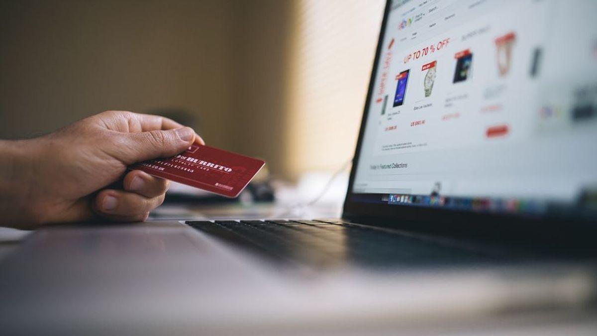 Sin colas y sin salir de casa: ventajas de las compras online en rebajas