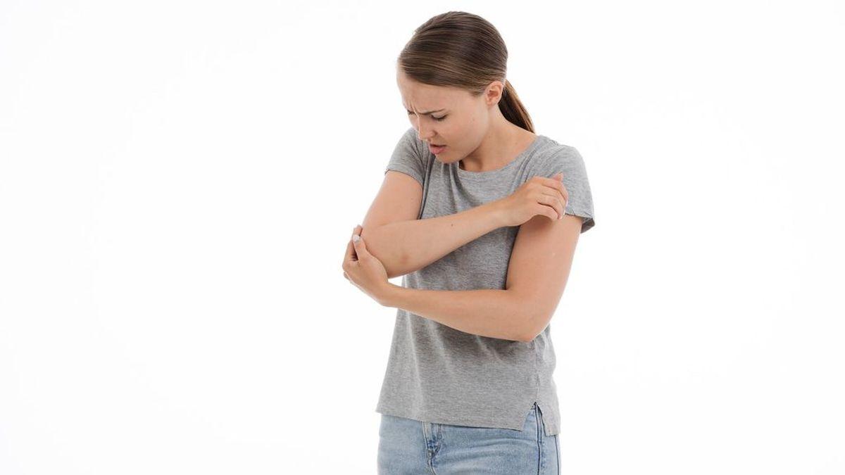 Por qué sientes un calambre cuando te golpeas el codo