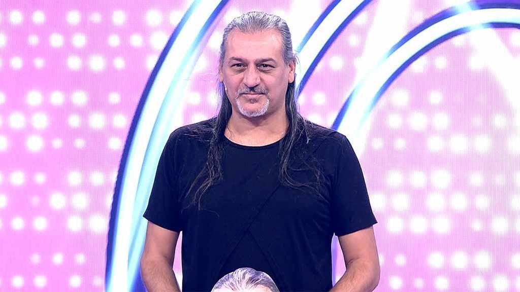 Sorpresa con el desconocido 3.000: las concursantes pierden 10.000€ adivinando la edad del cantante de Camela
