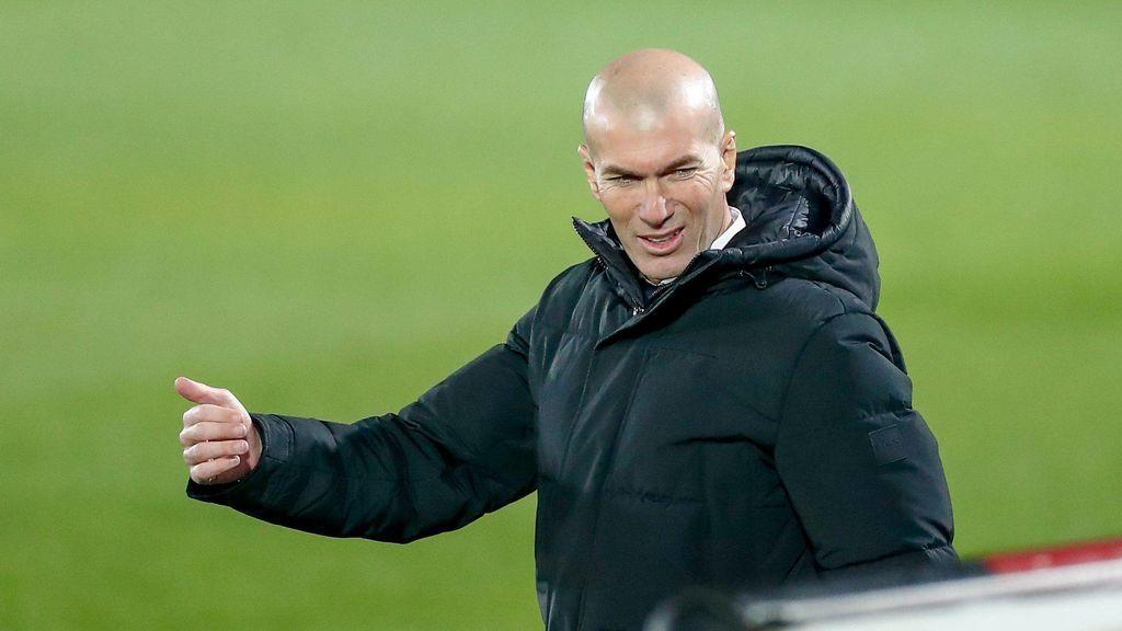 Zidane recibe la aprobación de LaLiga y podrá viajar a Pamplona con el resto del equipo